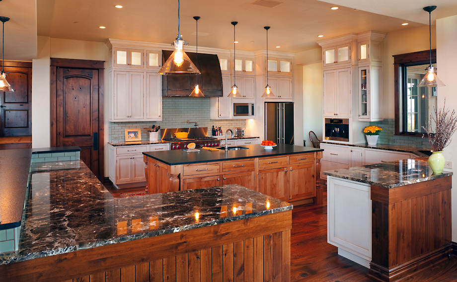 Dovetail Construction, Montana Custom Homes, Alexander Interior, Kitchen