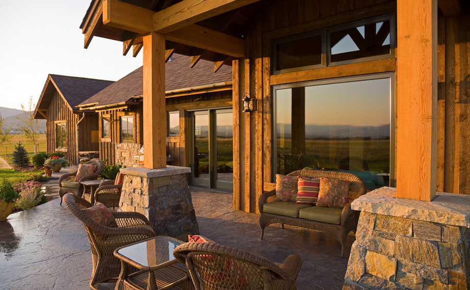 rustic custom home with beautiful views of the mountains in Montana